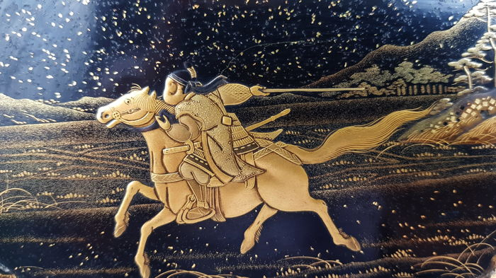 Gold lacquer panel of a samurai riding on horse - Japan - 19th century (Meiji period)
