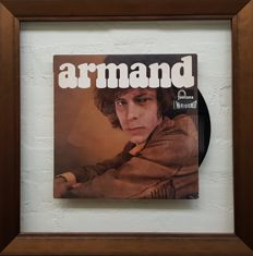 Album by Armand framed in glass en goldcoloured wood