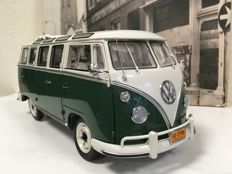 Sun Star - Scale 1/12 - Volkswagen Samba Bus 1962 - Green/ White