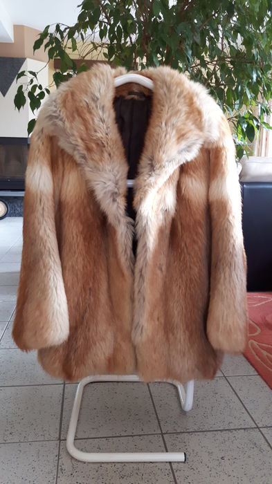 Red fox fur coat, perfect state