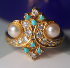 Exclusive vintage German ring with natural Pearls, natural Turquoise and zirconia. Complete handcraft in an excellent state.