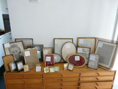 Large collection of photo frames with gold-coloured metal edges, 24 pieces 1950s and 60s photo frames