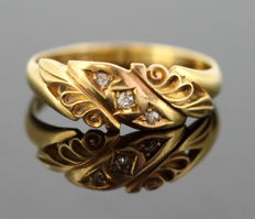 Vintage 18K yellow gold ladies ring with diamonds (0.03 CT Total), Sheffield 1914