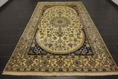 Beautiful, fine Persian palace carpet, Nain, silk carpet, wool with silk, made in Iran, Nain Province, 312 x 200 cm