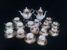 Royal Albert - Old country roses - 34 delen porceleinen koffie/thee servies