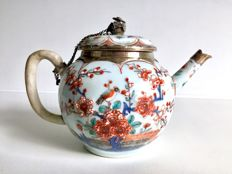 Imari teapot - China - 18th century