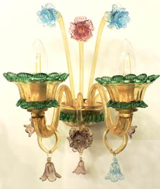 MuMa Italia - 2-light sconces in Murano blown glass - colourful and decorated with flowers - Italy, ca. 2015