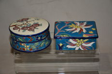 Two jewellery boxes - Ceramics - floral motif