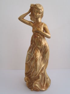 Nadal - A large, nice porcelain sculpture of a golden lady - 41 cm