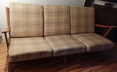 Manufacturer unknown - Reupholstered vintage sofa with 2 armchairs