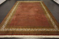 Magnificent hand-knotted oriental palace carpet, Sarouk Mir, 250 x 340 cm, made in India, finest highland wool