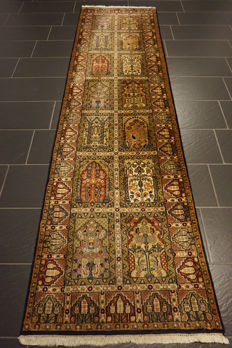 Gorgeous handwoven Indo fields Qom runner 85x320 cm Made in India at the end of the 20th century
