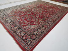 Wonderfully beautiful Persian carpet, old Mahal/Iran, 370 x 269 cm, circa 1970, semi-antique, good condition, clean