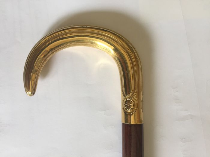 Ceremony cane with gold handle, stick in snakewood, late 19th