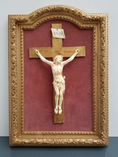 Large ivory Corpus Christi on the cross - Dieppe, France - 19th century