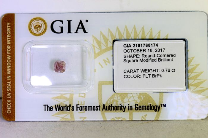 GIA Sealed  Diamond - 0.76 ct - Fancy Light Brown Pink - * NO RESERVE PRICE *