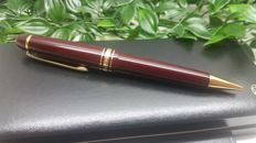 Le Grand Montblanc Meisterstuch mechanical pencils burgundi
