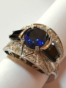 White gold ring (18 kt) with approx. 5.40 ct of sapphire and 0.42 ct of diamonds - Italian size 17