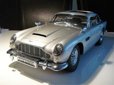 Eaglemoss - Scale 1/8 - Aston Martin DB5 - James Bond 50th anniversary edition