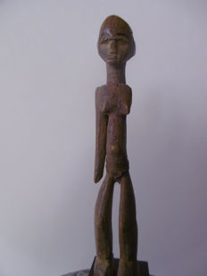 Charming little figurine - LOBI - Burkina Faso