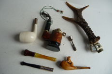 Lot of various Meerschaum smoking accessories, including silver, cigarette holders and pipes, among other things - first half of the 20th century