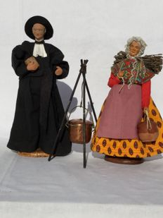 Two beautiful old authentic Santons figurines - Nativity scene figurines - A Priest and a housewife - Aubagne & Guigon
