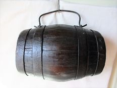 'Tonnelet de champs' - Wine barrel with forged steel mounting and handle - France - ca. 1850