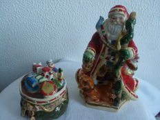 Porcelain - Christmas salt and pepper cellars