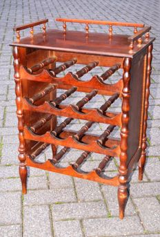 Wooden wine table - England - 20th century