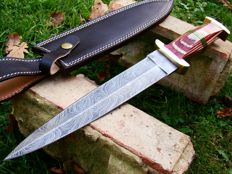 Damascus Steel Hunting Dagger - Hunting Knife - Handmade - 40 CM Long - 374 Damas Layers- Leather Sheath