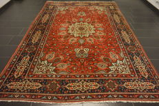 Royal magnificent Persian palace carpet, oversize, made in Iran, province of Tabriz 230 x 330 cm