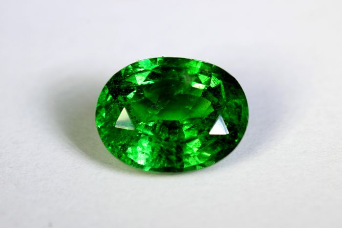Intense Green Tsavorite - 2.04 ct