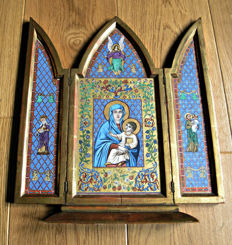 Painted triptych on gold leaf, early 1900s, Signed
