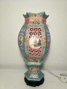 Openworked porcelain lamp from China decorated with figures - China - mid 20th century