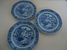 Three plates - China - 18th century