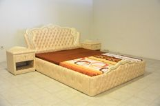 Fokas - Carved bed: oak wood, covered of technical leather