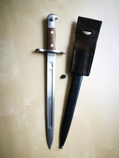 Swiss Bayonet M1889 for Schmidt-Rubin whith sheath and frog (the oldest of the family) - in very good condition