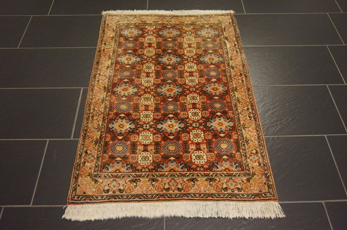 Unique old Persian carpet, Bijar, excellent wool, natural dyes, made in Iran, 85 x 130 cm