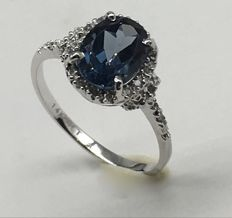 14k  White Gold Ring with 20 Diamonds 0.08 ct Total and London blue topaz****No reserve price***