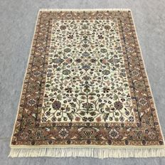 Beautiful hand-knotted oriental Indo-Tabriz carpet, 190 x 125 cm, approx. 2000