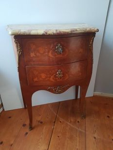 Marquetry commode in Louis XV style with Brèche d'Alep marble top, France, first half of 20th century