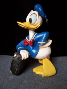 Disney, Walt - Figure - Donald Duck leaning on suitcase - (1980s)