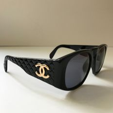 Chanel - Quilted black - Women