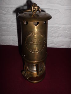 Copper miners oil lamp - Protector lamp, Eccles Type 6 in very nice condition