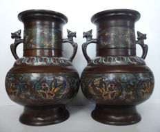 A pair of bronze champlevé vases - Japan - early 20th century