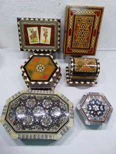 6 wooden boxes inlaid with mother of pearl/bone/wood