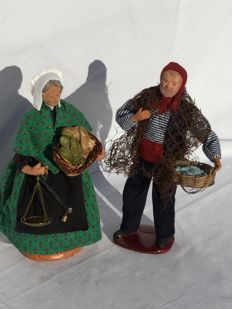 Two beautiful authentic Santons figurines - Nativity scene figurines - fishermen and fish saleswoman - Carbonal & Guigon