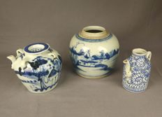 Blue white tea pots and pot - China - end 19th/beginning 20th century