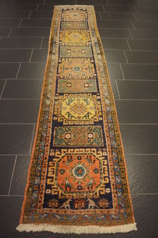 Collector's item, hand-knotted Persian carpet, Qashqai, made by nomads, wool on wool, made in Iran, 75 x 350 cm