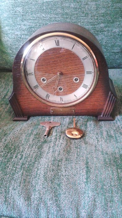 English table-fireplace clock
